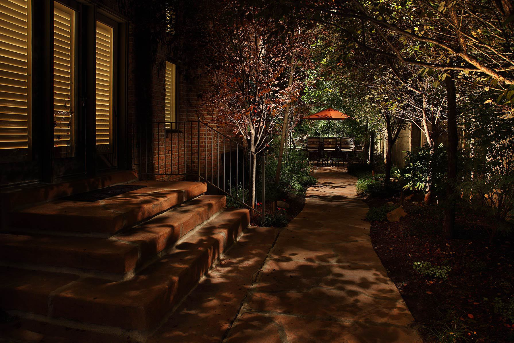 the 6 biggest mistakes landscape lighting do it yourselfers make