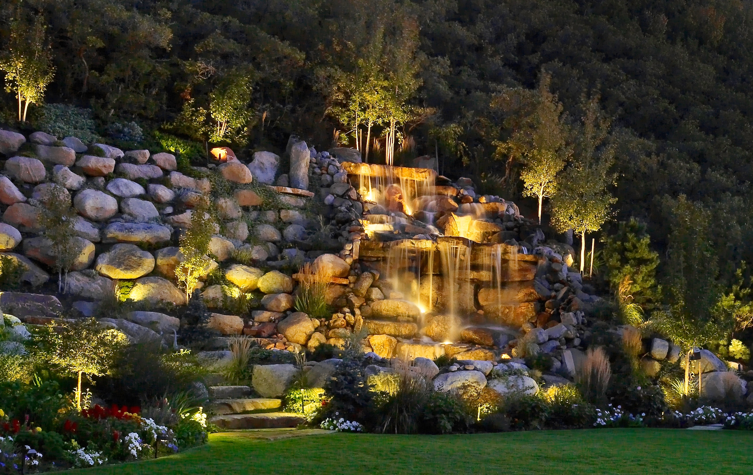 King Waterfall Lawn Photo.jpg