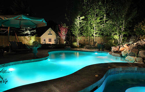 5 landscape lighting ideas for your swimming pool. Interior Design Ideas. Home Design Ideas