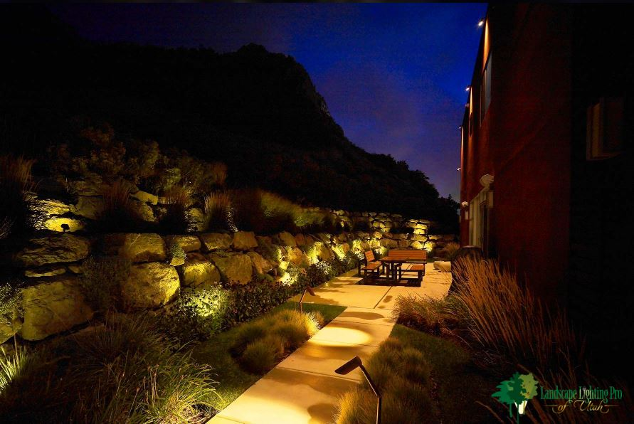 Wall-Wash-lighting-landscape-beauty-security-utah