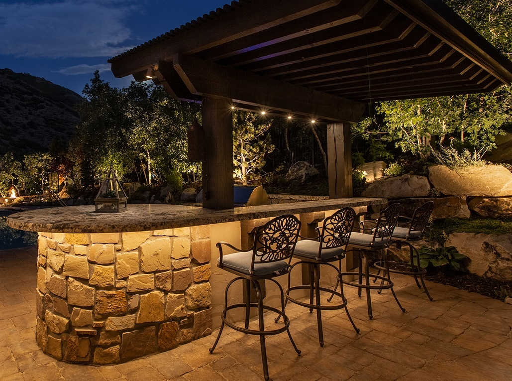 Picture of: Outdoor Kitchen Lighting Ideas