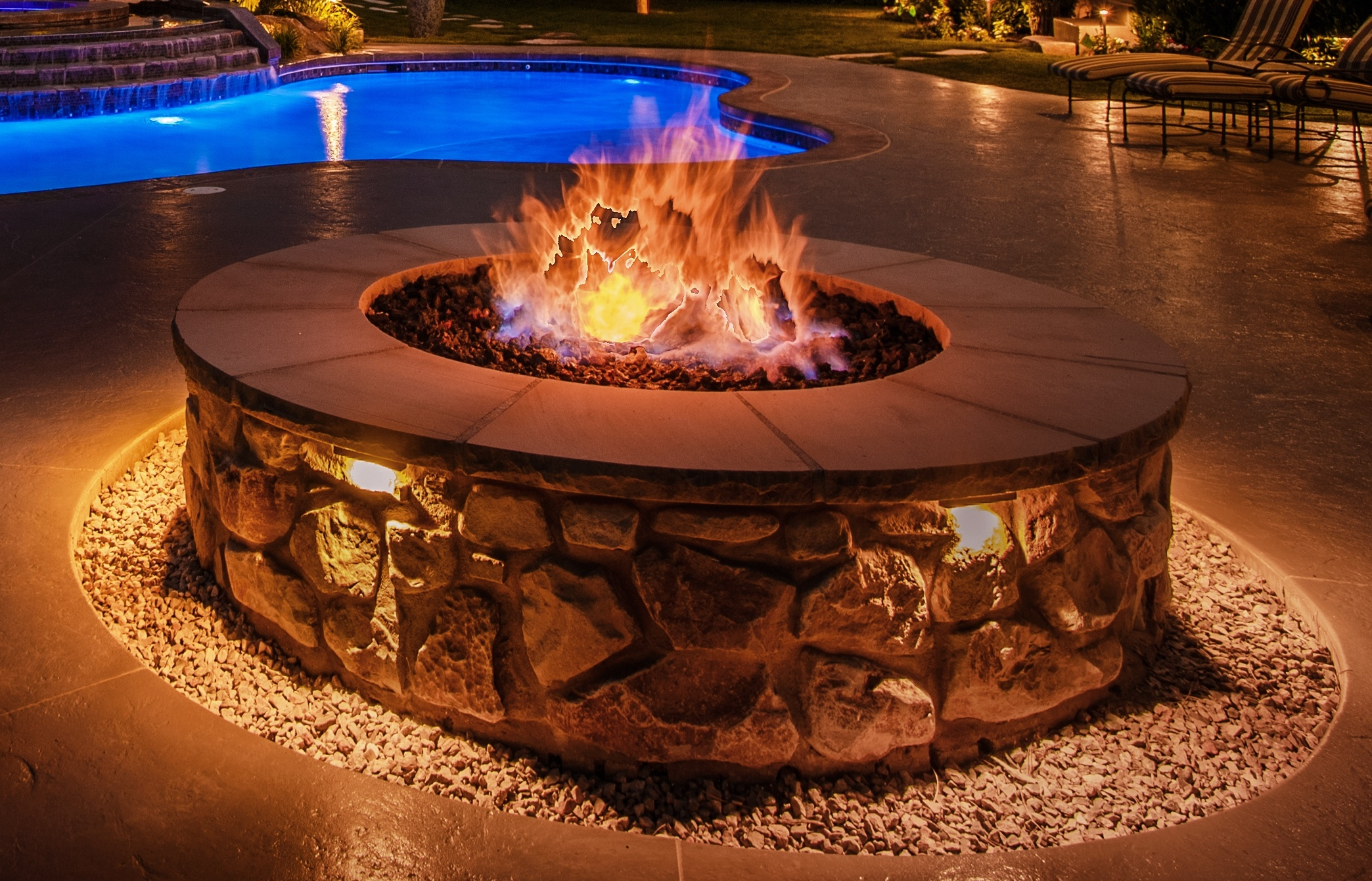 Fire pit hardscape lighting ideas .jpg