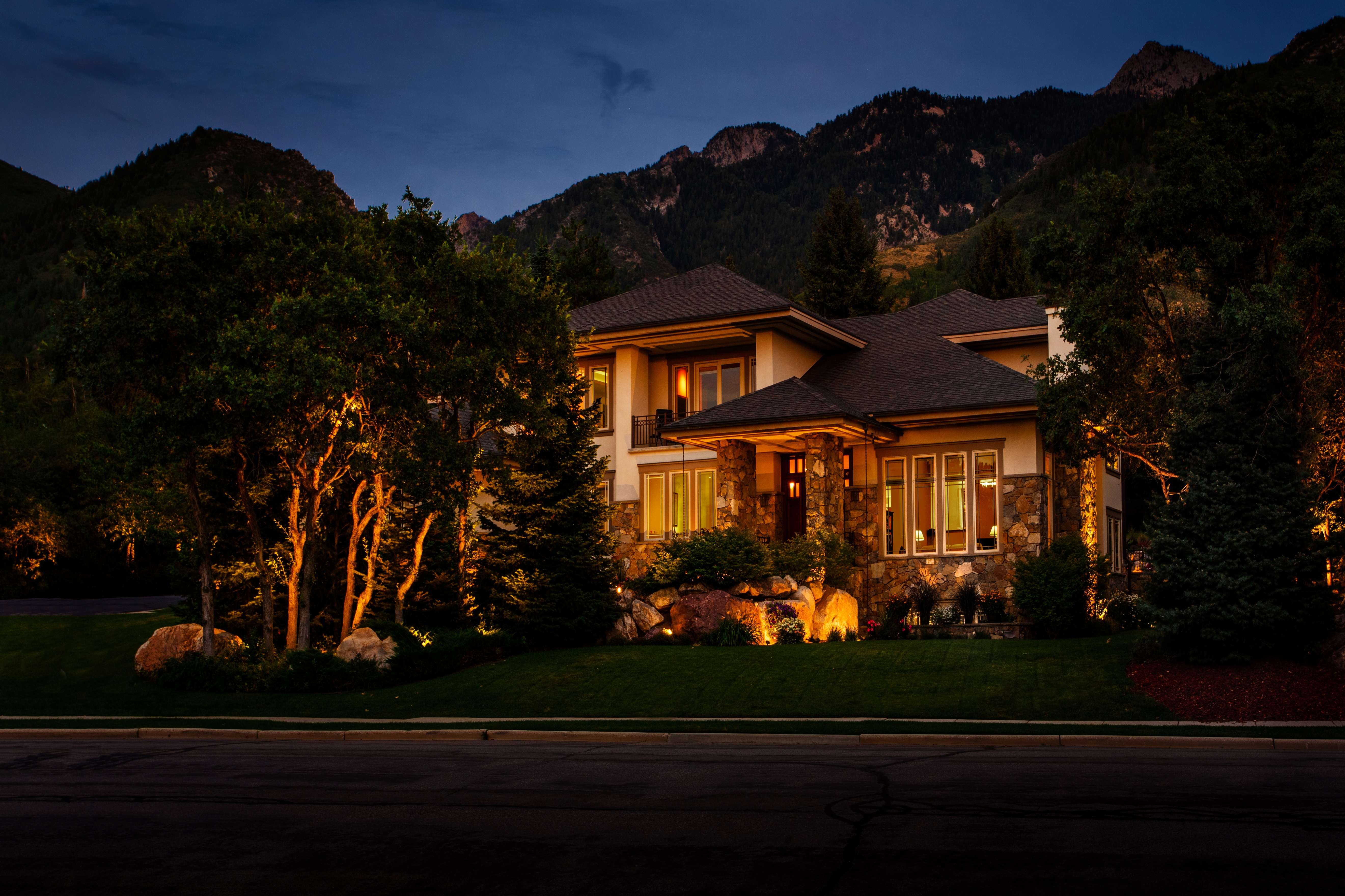 The bright ideas blog landscape lighting pro of utah landscape nothing makes out job come to life easier then when someone has already set the stage for a beautiful masterpiece to come together publicscrutiny Image collections