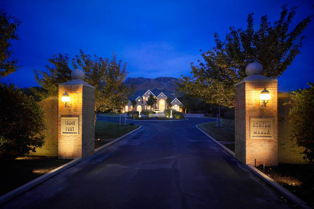 Outdoor lighting ideas. Driveway ...