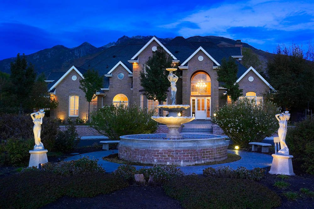 Underwater Fountain Lighting & Downlights vs. Submersible Pond Lights: Which Option Will Make Your ...